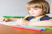 Baby Left-Handed: When to Tell and What's the Benefit