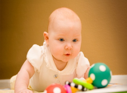 When Do Babies Hold Their Head Up? - New Kids Center