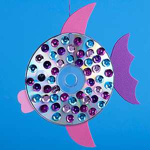 Y How To Make This Easy Craft Glue A Googly Eye Both Iridescent Sides Of The CDs Add Drops Tacky And Ask Kids Attach Sequins