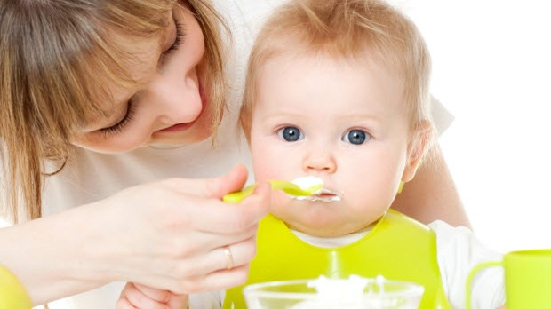 give your child bland foods in small amounts during his stomach pain these can include such things as yogurt rice applesauce and toast - Pics Of Small Children